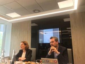 Rodrigo García de la Cruz, Presidente de la AEFI e  Idoya Arteagabeitia, socia Bancario y Financiero de Pinsent Masons